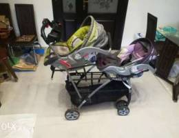 Car seats same time stroller for twins