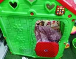 Plastic house for kids red and green