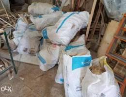 حطب للبيع الكيس ٨٠٠٠ الاف ليرة ، صيدا مقاب...