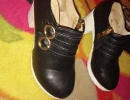 أحذية شبه جديد من ألمانيا المقاس 29السعر ا...