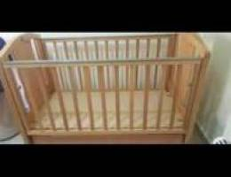 Baby crib with drawer used very good condi...