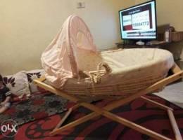 سرير كتير نضيف مع فرشة.150 الف